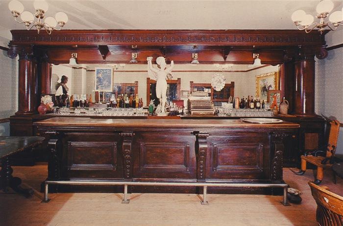 Vintage Saloon Back Bar Western Saloon Pinterest